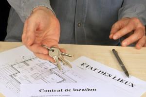 contrat de location et clés du bien immobilier